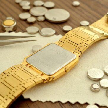 Batterij in horloge zetten of reparatie sieraden?